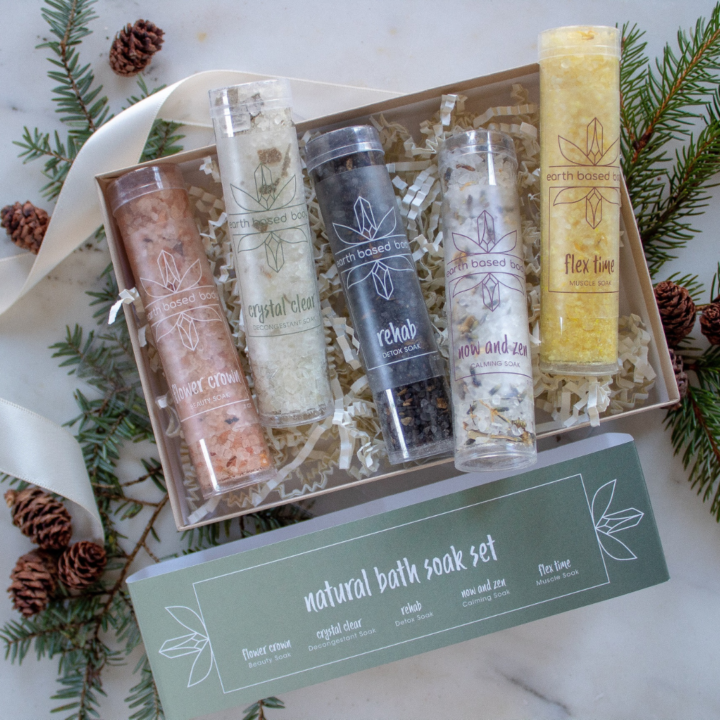 Bath Soak Minis bursting out of gift box